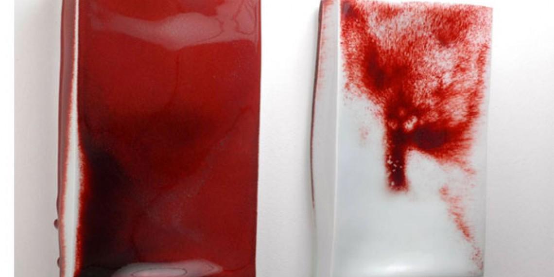 Emmanuel Boos, Letterboxes 2013, Porcelaine émaux rouge de cuivre © 2014 Emmanuel Boos