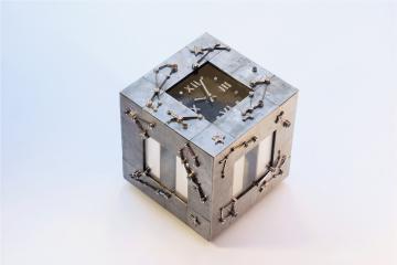 Cadre météorite © L'Atelier de l'objet
